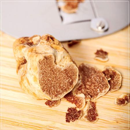recipe_fettucine_cheastnuts_truffles_450px